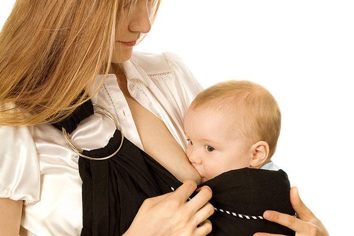 Karmienie niemowlęcia - niezbędne akcesoria