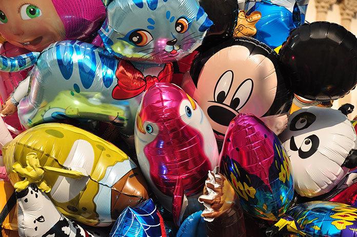Balony foliowe jako sprawdzona propozycja podczas dziecięcych zabaw