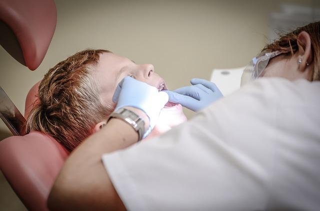 Pracownia stomatologiczna i pomoc wielu specjalistów w jednym miejscu