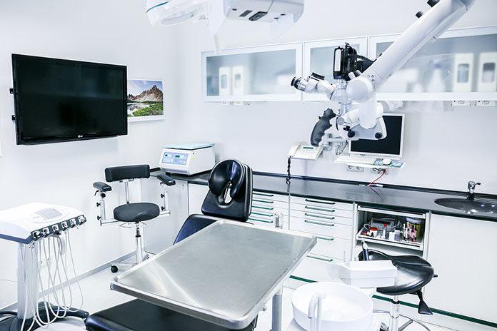 Zalety korzystania z usług stomatologa