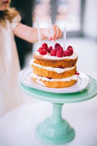 Tort na urodziny dla dziecka - jak go uatrakcyjnić?