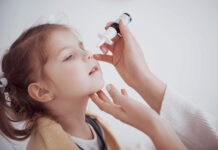 Uciążliwy katar u dziecka